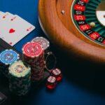 Sides of Online Gambling