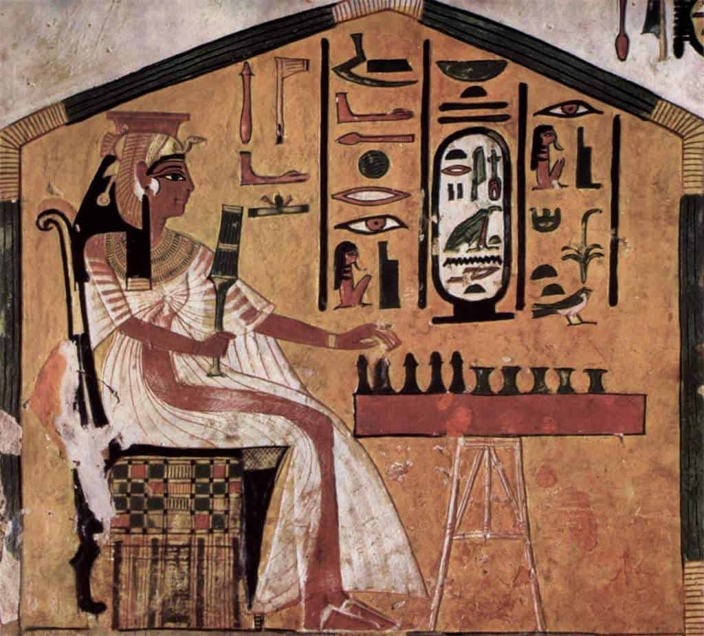 ancient egypt queen playing senet